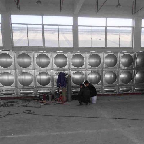 xia门加长方形不锈钢水箱实用案例